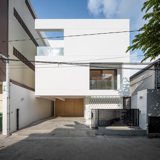 Bangson House / FATTSTUDIO