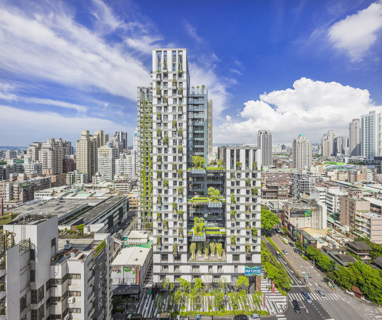 WOHA Completes First Green Mixed-Use Development in Taiwan, © Kuomin Lee