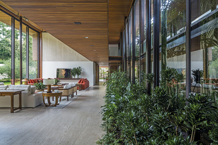 Casas brasileiras: 9 residências com jardim interno, Casa MLA / Jacobsen Arquitetura. Imagem: © Leonardo Finotti