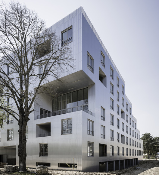 Edifício Residencial Experimental Unité (s) / Sophie Delhay architecture