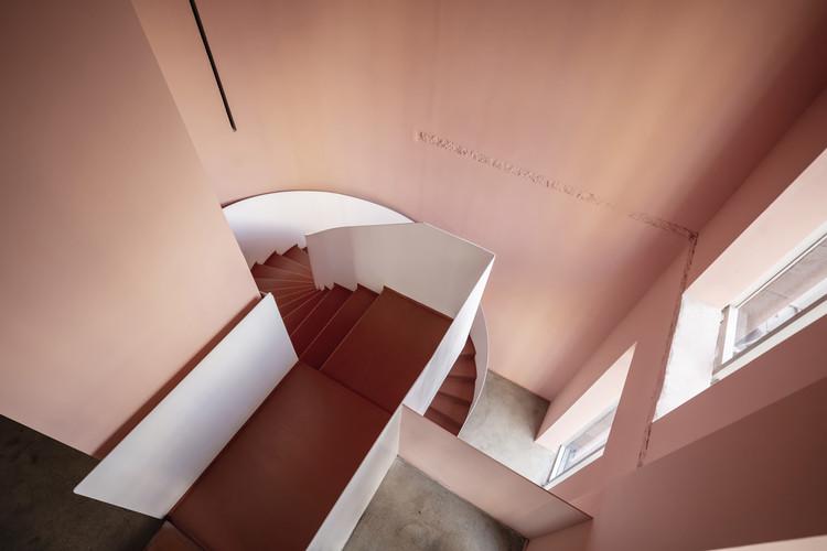 Вид на лестницу.  Изображение © Цян Шэнь