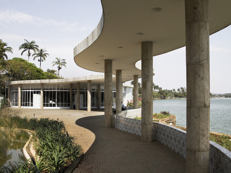 Architectural Works that Were Declared World Heritage Sites in the Last Decade, House of Dance- Pampulha Modern Ensemble (Brazil) . Image © Hugo Martins [Flickr] Bajo Licencia CC BY-NC 2.0