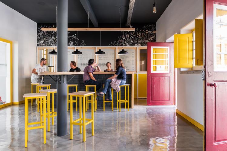 Brewpub in Colares / SER-ra, © emontenegro / architectural photography