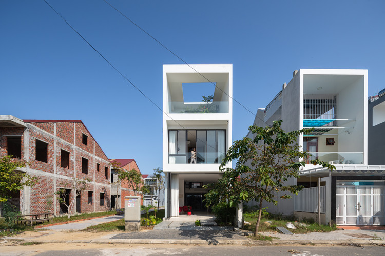 Casa H.A / Nguyen Khai Architects & Associates, © Trieu Chien
