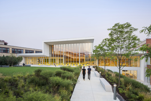 Cornell University College of Veterinary Medicine / WEISS/MANFREDI