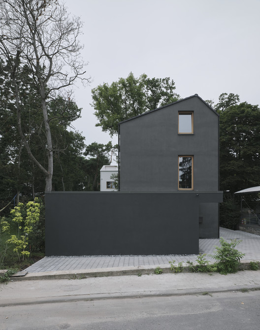Black House / HGA Henning Grahn Architektur + Marc Flick Architekt BDA + Christian Stock