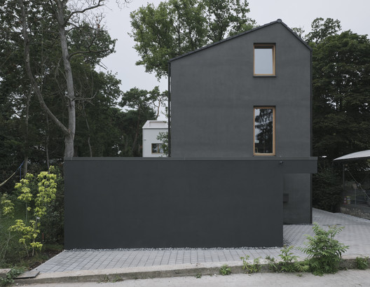 Casa negra / HGA Henning Grahn Architektur + Marc Flick Architekt BDA + Christian Stock