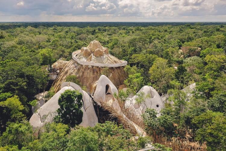 Arquitectura en México: 35 proyectos para entender los diferentes paisajes y territorios, Azulik Uh May / Roth-Architecture. Image Cortesía de Azulik
