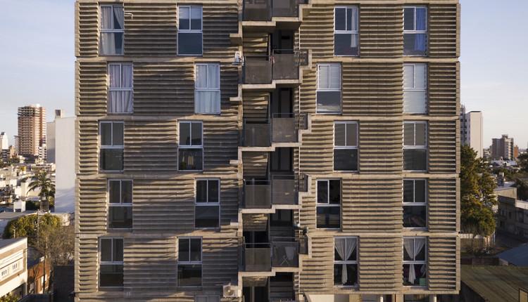 Edificio Mandel III / Estudio Arzubialde, © Federico Cairoli