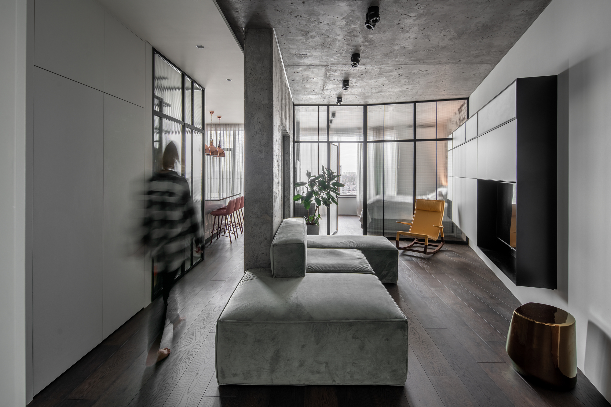 Concrete66 Apartment / PVA
