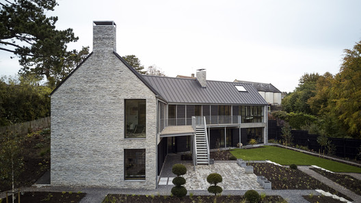 The Long House / Neil Choudhury Architects