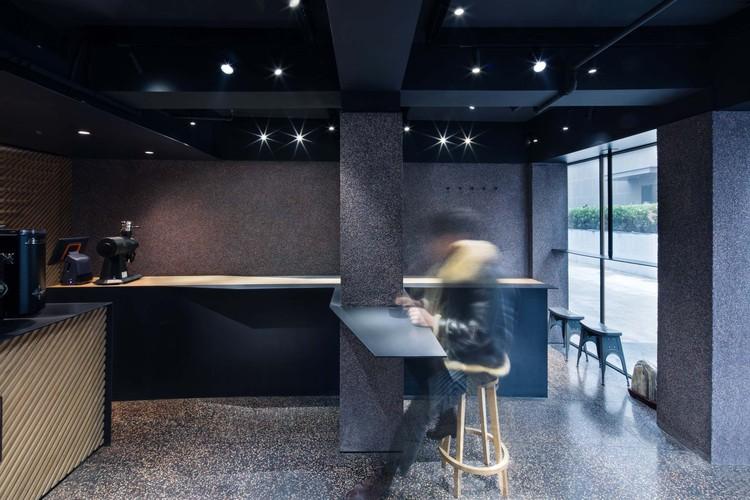 White Bird Café & Diner / dongqi Architects, © Raitt Liu