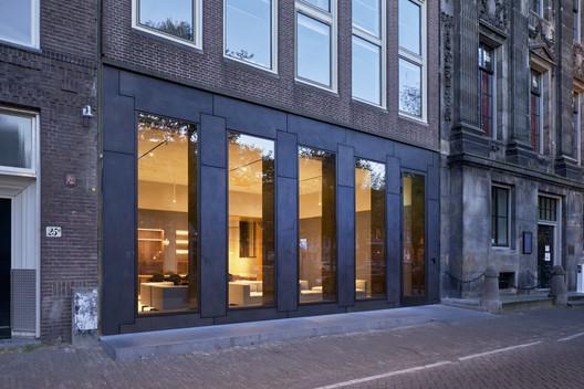 Trippenhuis Complex / Office Winhov