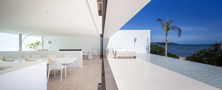 Sea Front Villa / Shinichi Ogawa & Associates, © Pirak Anurakyawachon