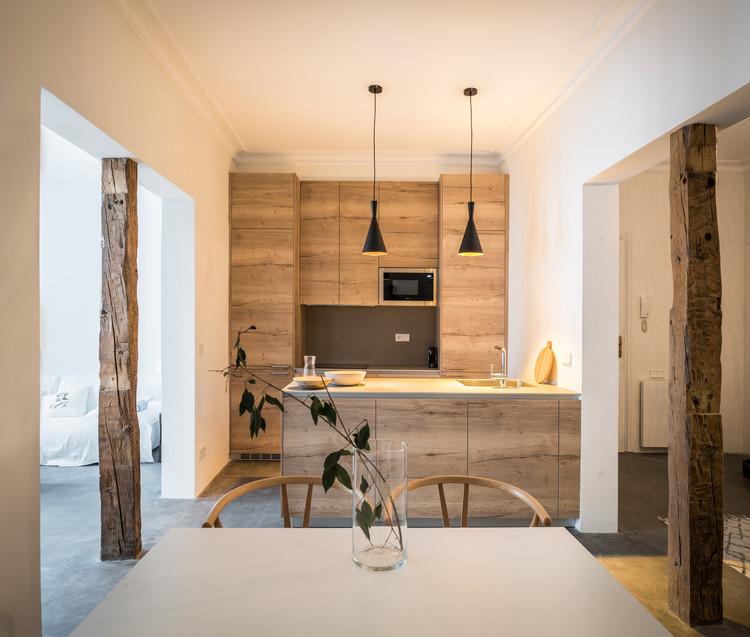 Apartamento en calle San Roque / Carlos Manzano Arquitectos, © Amores Pictures