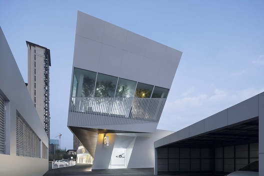 Lamborghini Exhibition Center / PMA