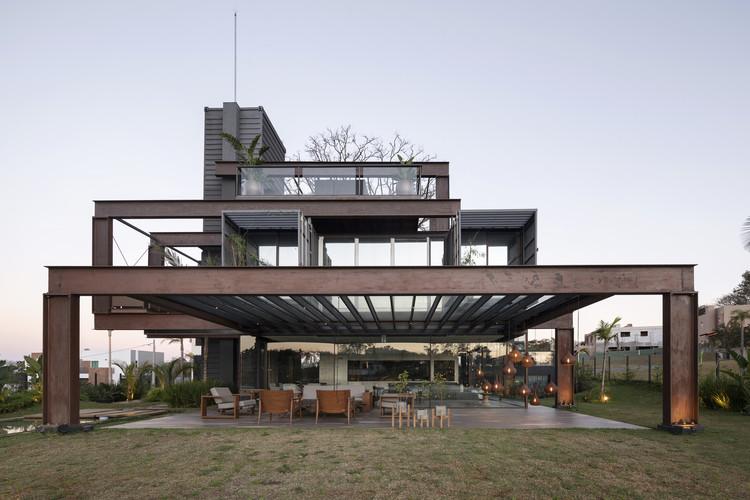 Transpondo fronteiras: a nova arquitetura moderna do Paraguai, © Federico Cairoli