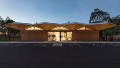 Centro de Aprendizaje Tres Árboles / Collingridge and Smith Architects