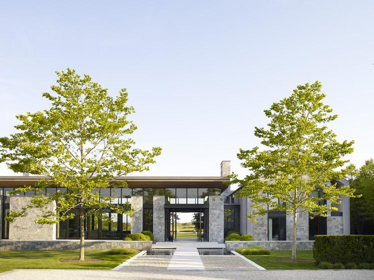 Sagaponack Compound House / Blaze Makoid Architecture, © William Waldron