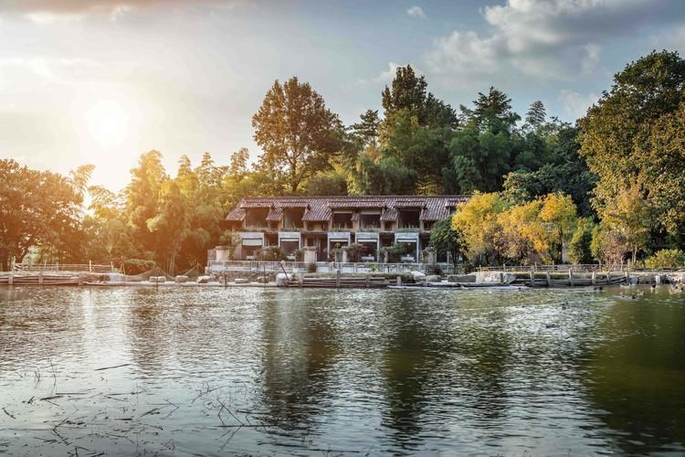 Leisurely Mountain Life / Menjue Architecture, © Ming Chen
