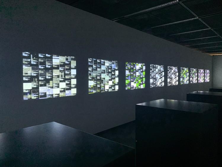 data.matrix [no1-10] / Ryoji Ikeda. Image © Han Shuang / ArchDaily