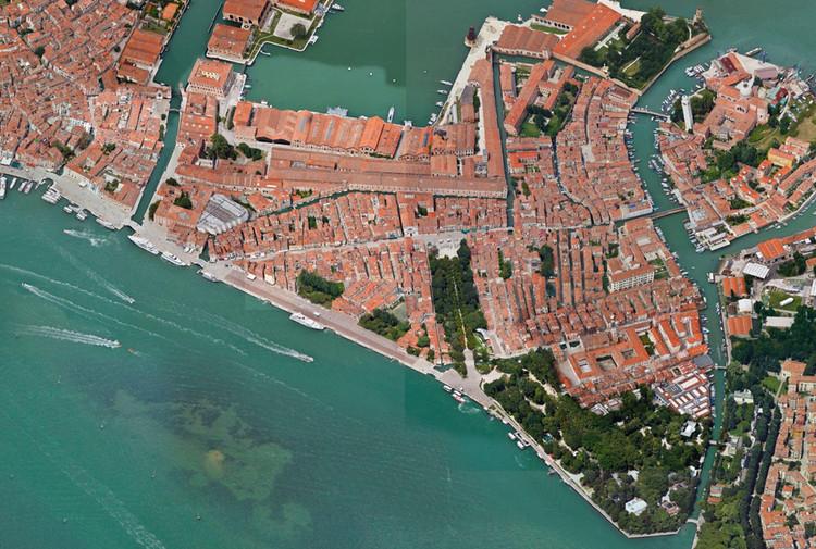 'Reparación', liderado por Emilio Marín, representará a Chile en la Bienal de Venecia 2020, Vista aérea de Venecia. Image Cortesía de Ministerio de las Culturas, las Artes y el Patrimonio de Chile
