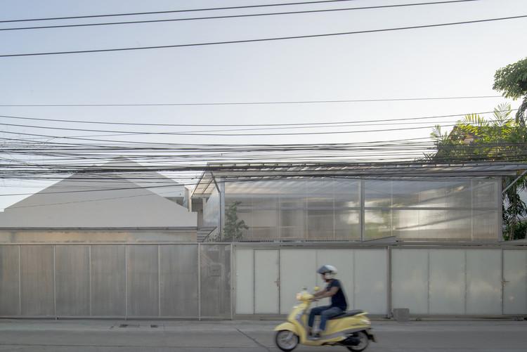 House Nak-Niwat Renovation / OPH Architects, © Keerati Oungsuthipornchai, Napat Pattrayanond