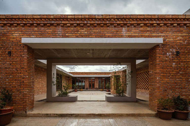 Zhao House / Chuantuo Architecture, courtyard perspective. Image © Kunming tundra photography