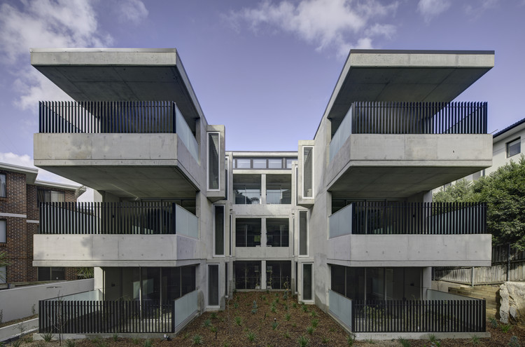 Bellevue Hill Apartments / Glyde Bautovich, © Brett Boardman Photography