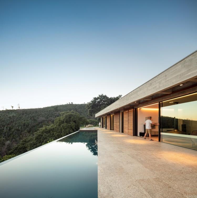 Casa em Monchique / Pereira Miguel Arquitectos, © Fernando Guerra / FG+SG