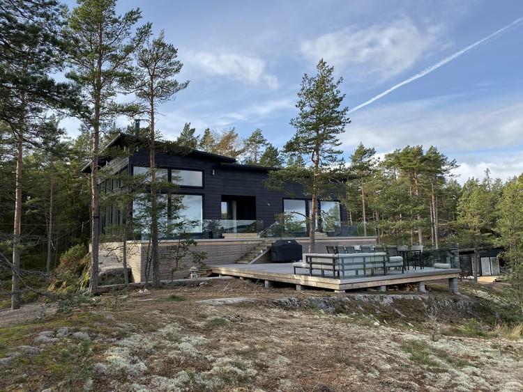 Casa nas Rochas / Pluspuu Oy, © Samuli Miettinen