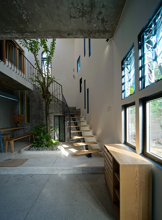Daisy House / IZ Architects