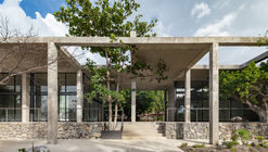 Centro de desarrollo comunitario Parque el Higuerón / AGENdA Agencia de Arquitectura + Dellekamp Schleich
