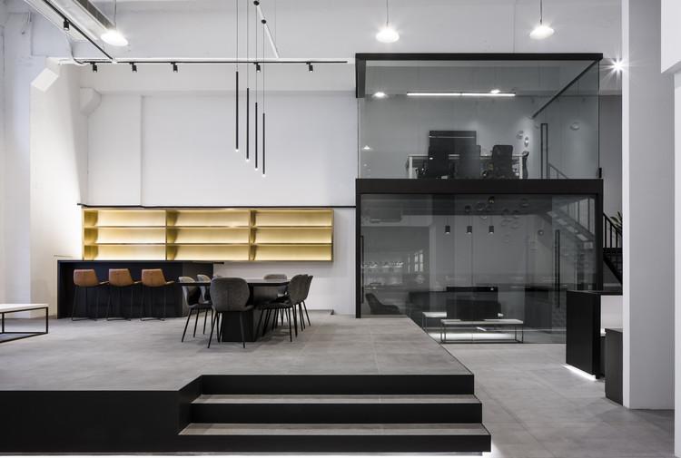 Home Base Showroom / Quarta & Armando, © Peter Dixie_LOTAN