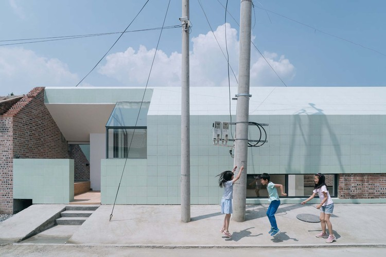 Intertwine House / Wonder Architects, exterior. Image © Yumeng Zhu