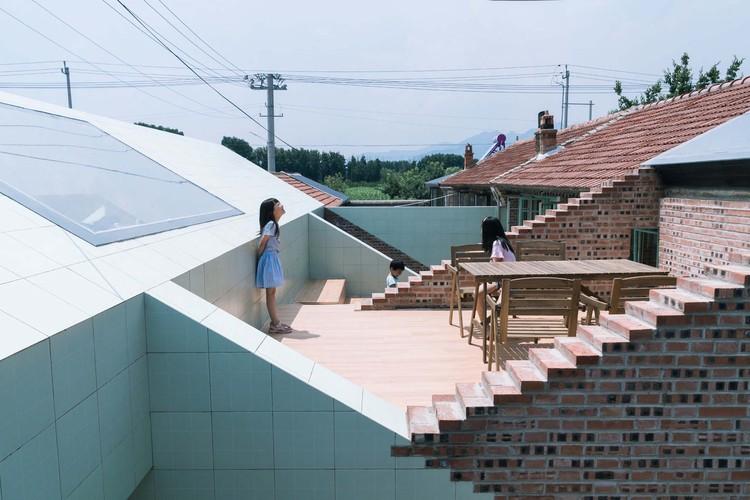 roof terrace. Image © Yumeng Zhu