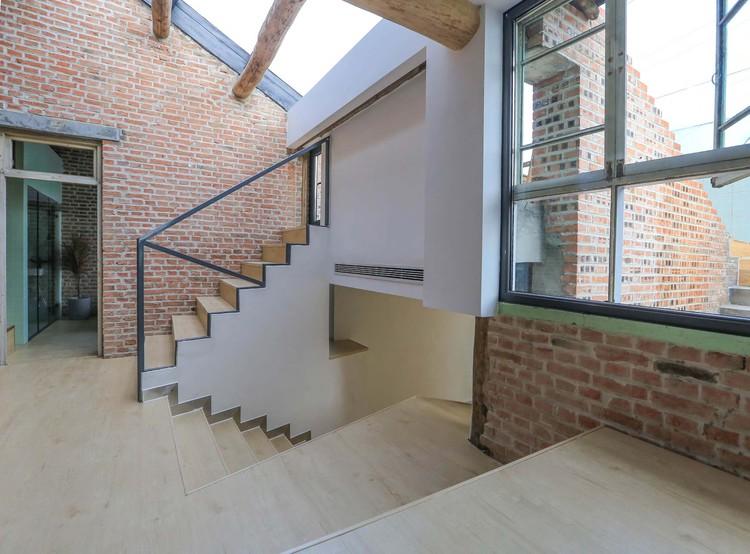 staircase. Image © Yumeng Zhu