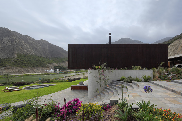 Designing with Nature: Peruvian Homes Built for the Outdoors, © Juan Solano Ojasí