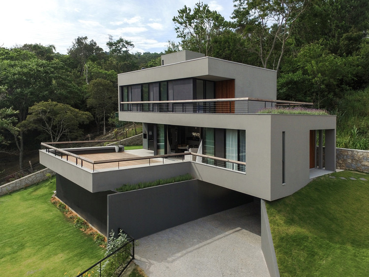 Casa Itacorubi / Mari Girardi Arquitetos Associados, © Pedro Caetano