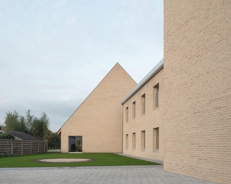 Centro Comunitario Schoor Turnhout / TRANS architectuur I stedenbouw, © Stijn Bollaert