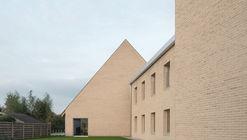 Centro Comunitario Schoor Turnhout / TRANS architectuur I stedenbouw