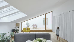 18 white house   attic storey