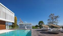 Residência Linear / Christos Pavlou Architecture
