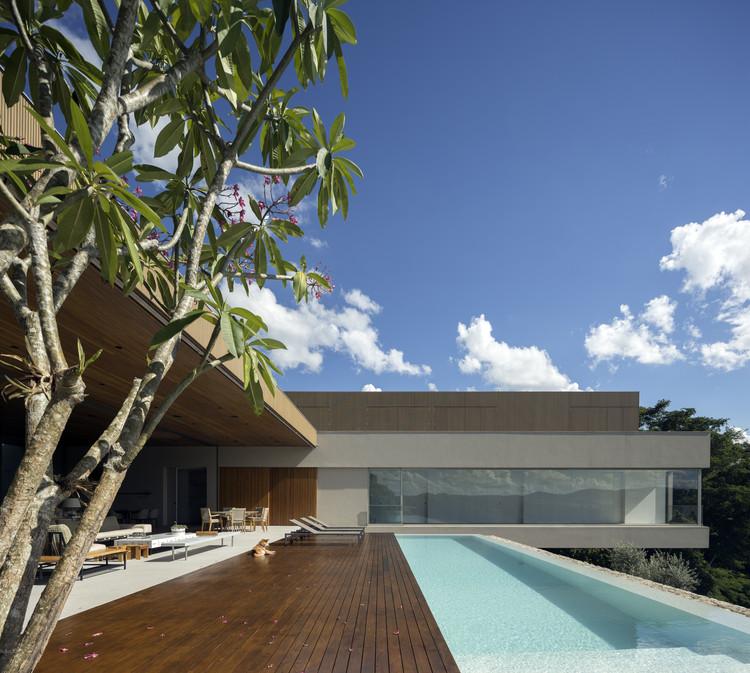 Casa NVD / Studio Arthur Casas, © Fernando Guerra | FG+SG
