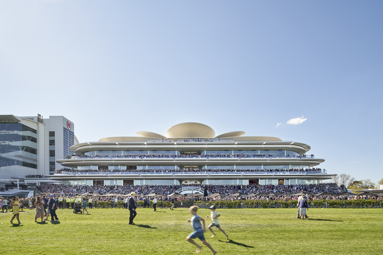 The Club Stand / Bates Smart, © Peter Clarke