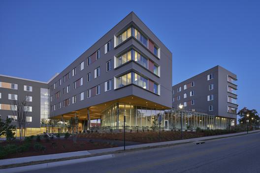 Adohi Hall / Leers Weinzapfel Associates + Modus Studio + Mackey Mitchell Architects + OLIN