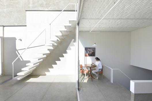 JEE Gallery / Alborz Nazari & Amin Hosseinirad