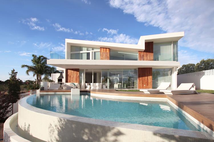 Casa Luján / Perretta Arquitectura, © Antonio Orero