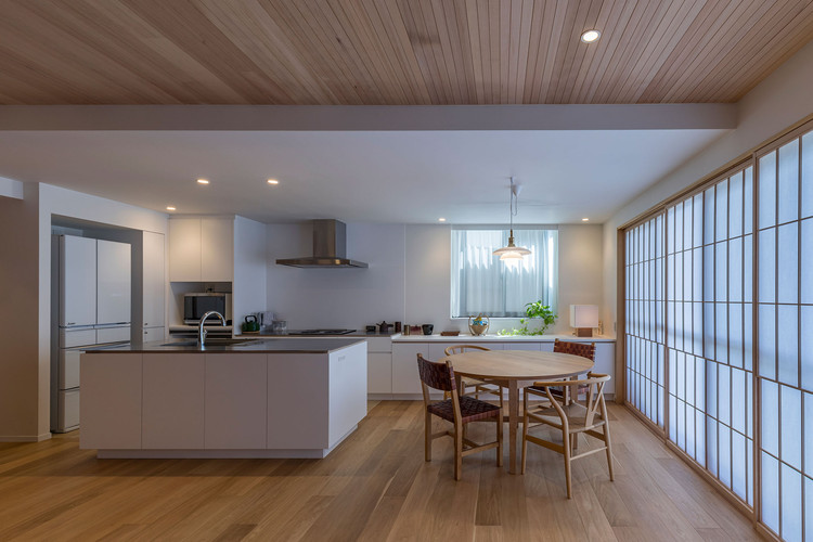 Apartment Renovation in Jyōsei / Takashi Okuno & Associates, © Hirokazu Fujimura