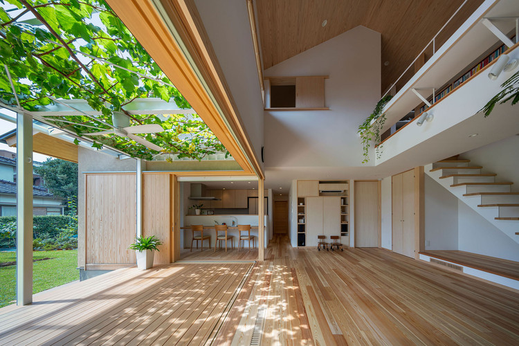 House with Grapevine Trellises / Takashi Okuno & Associates, © Hirokazu Fujimura